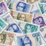 通貨の価値は変動する