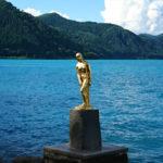 田沢湖の辰子像