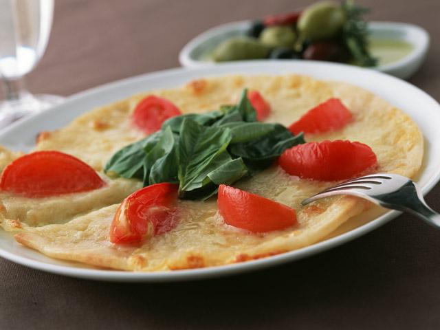 イタリアンレストランのピザ